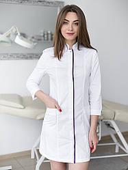 Женский медицинский халат Сакура белый- фиолетовый