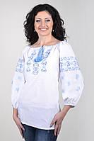 Женская вышитая рубашка белого цвета с голубой вышивкой  Ж02-113