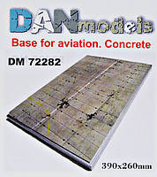 Подставка для моделей. Тема: Бетонка. Стоянка самолета (390x260 мм) №1