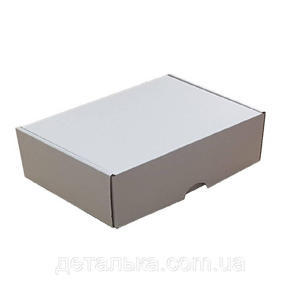 Самосборные картонные коробки 320*320*30 мм.