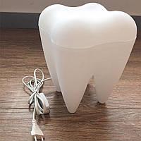 Настольная лампа в виде зуба