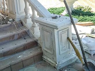 Наглядно о том, почему не надо ставить балюстраду из обычного бетона под покраску! 14