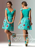 Бирюзовое батальное платье с цветами