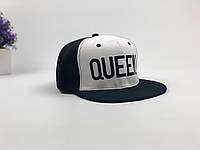 Снэпбек Queen  - черно-белый, черное лого, фото 1