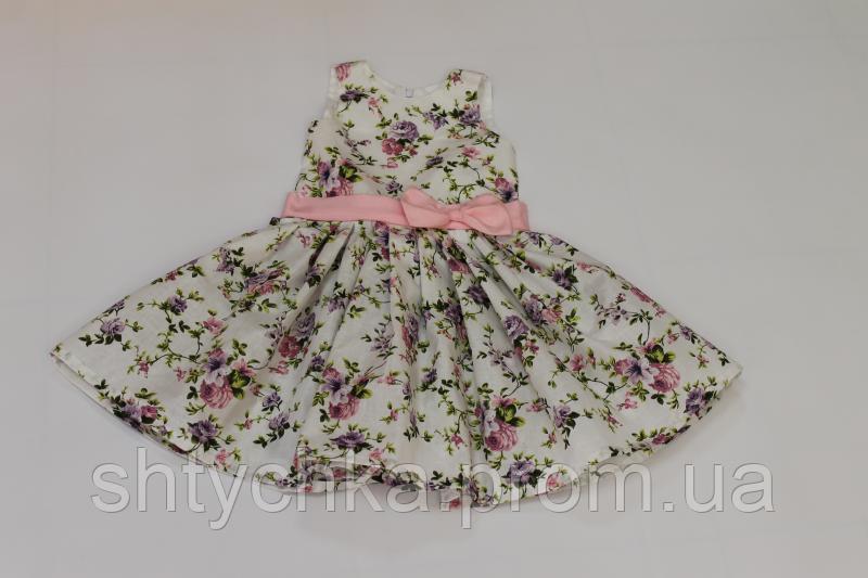 Платье на девочку в цветочек с розовым поясом и бантиком