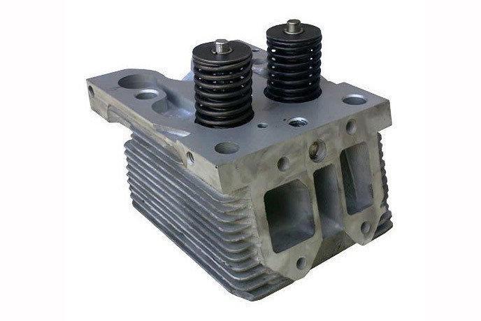 Головка блока цилиндров двигателя Д-21, Д-144, Д-37