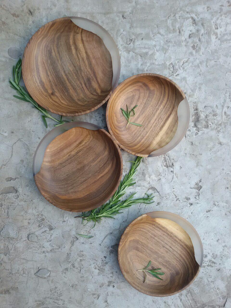 """Деревянные тарелки с элементом эпоксидной смолы """" White moon"""" 4 шт"""