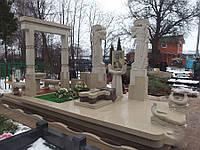 Мраморный памятник М-222