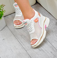 Спортивные сандали босоножки женские  белые на шнуровке платформа