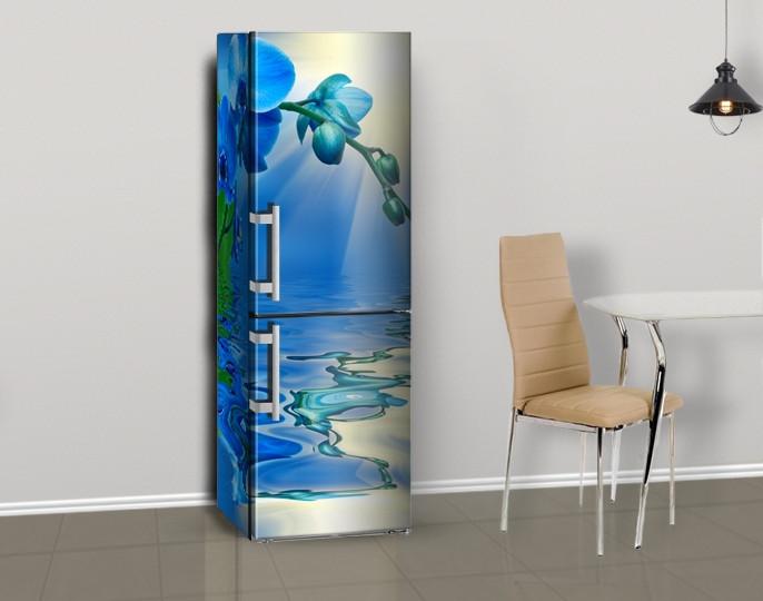 Магнитная наклейка на холодильник Синие Орхидеи и вода, виниловый магнит, 600*1800 мм, Лицевая