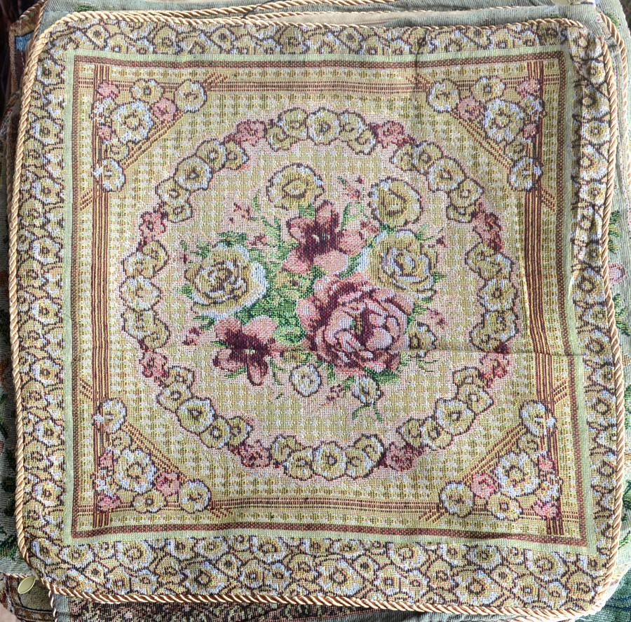 Наволочка  на  подушку  із  гобелену (40 х 40)  Троянди