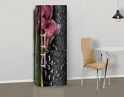 Магнитная наклейка на холодильник Темные Орхидеи и капли воды, виниловый магнит, 600*1800 мм, Лицевая