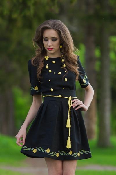 Женское вышитое платье футляр с коротким рукавом П21-22, фото 1