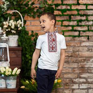 Белая футболка для мальчика Красный Орнамент стойка