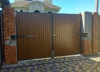 Распашные металлические ворота из профнастила (3 000×2 000 мм)