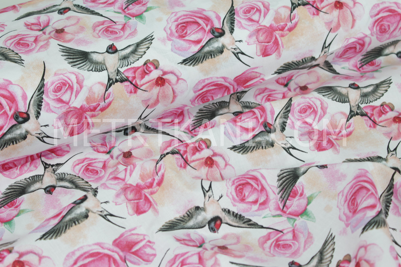 "Хлопковая ткань  ""Ласточки а розах ""  на белом фоне №1522"