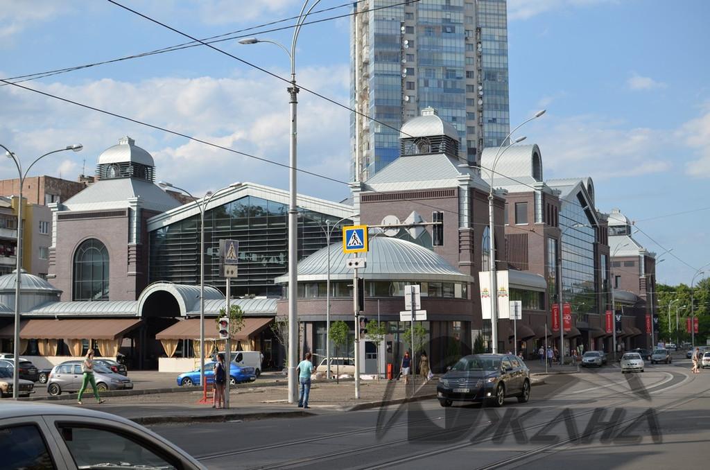 Сумской рынок в г. Харькове по ул. Тринклера