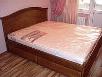 Кровать двухспальная из натурального дерева