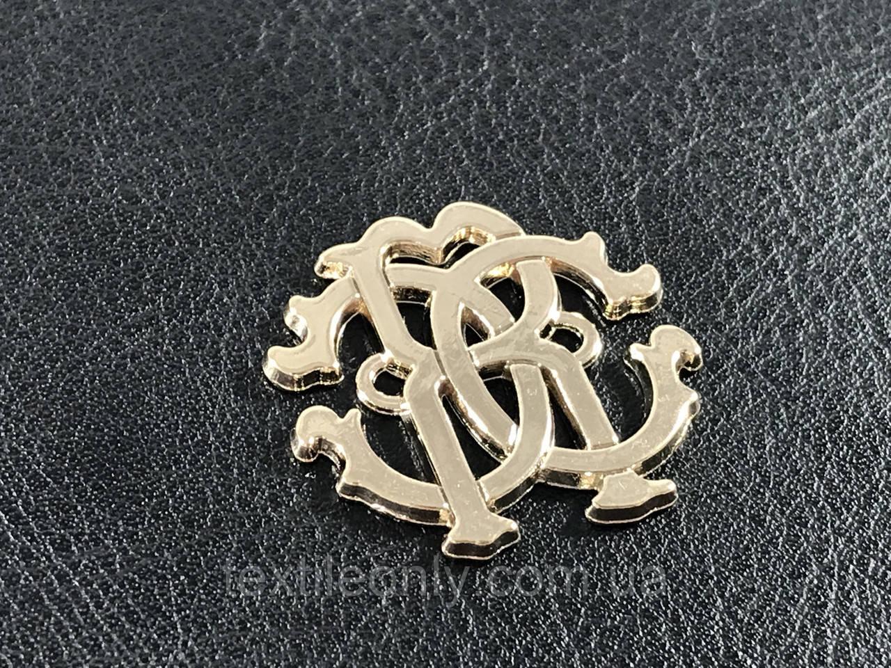 Пришивная металлическая эмблема резная цвет золото 26х25 мм