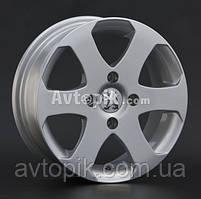Литые диски Replay Peugeot (PG8) R14 W5.5 PCD4x108 ET24 DIA65.1 (silver)