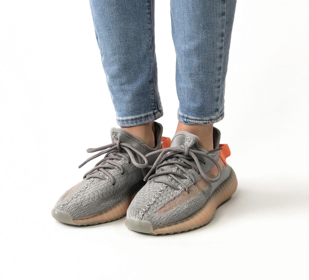 Женские кроссовки в стиле Adidas Yeezy Boost 350 V2 True Form (36, 37, 38, 39, 40 размеры)