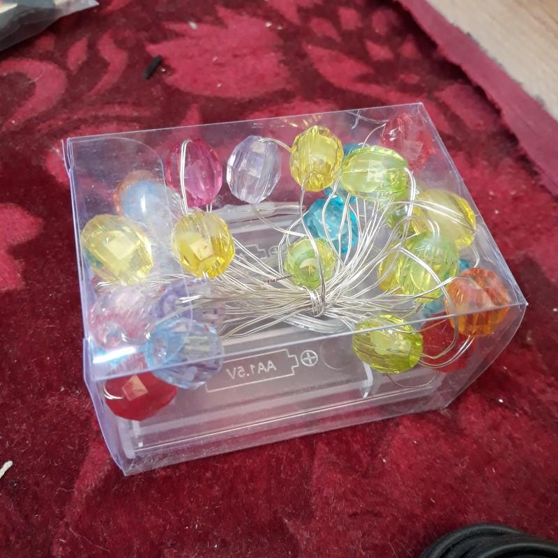 Гирлянда шарики 30 LED на батарейках и черном проводе цвета разные