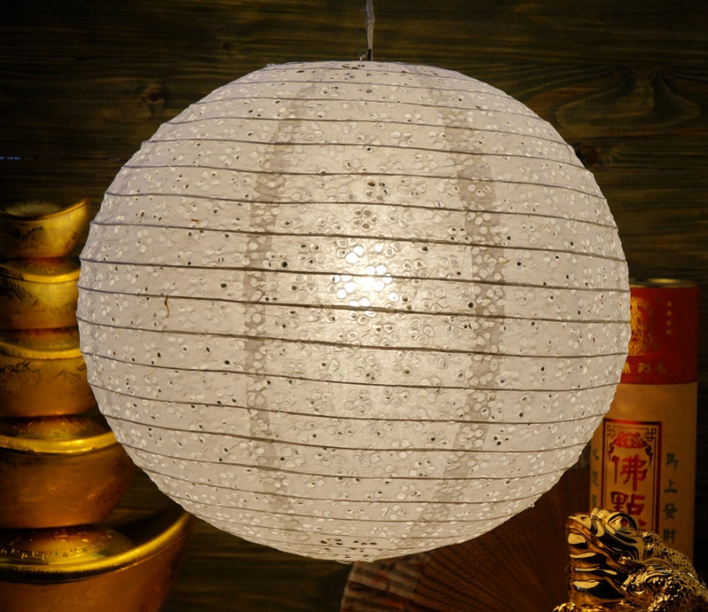 9050004 Фонарь бумажный 'ШАР с дырками Мэй Хуа' Белый