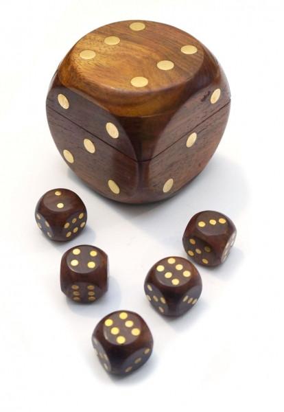 9100001 Игра 5 игральных кубиков в кубике 7х7х7см. Арт.277