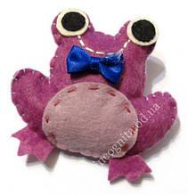 9080442 Брошь войлочная Лягушка Фиолетовая
