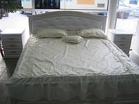 Кровать двухспальная из натурального дерева (изголовье мягкое)