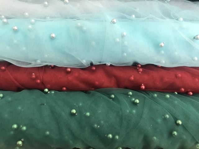 Нарядная ткань сетка с бусинами