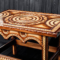 Стол журнальный, оформлен исключительно  ручной резьбой, фото 1