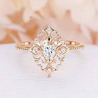 Женское золотистое кольцо с кристаллами код 1669