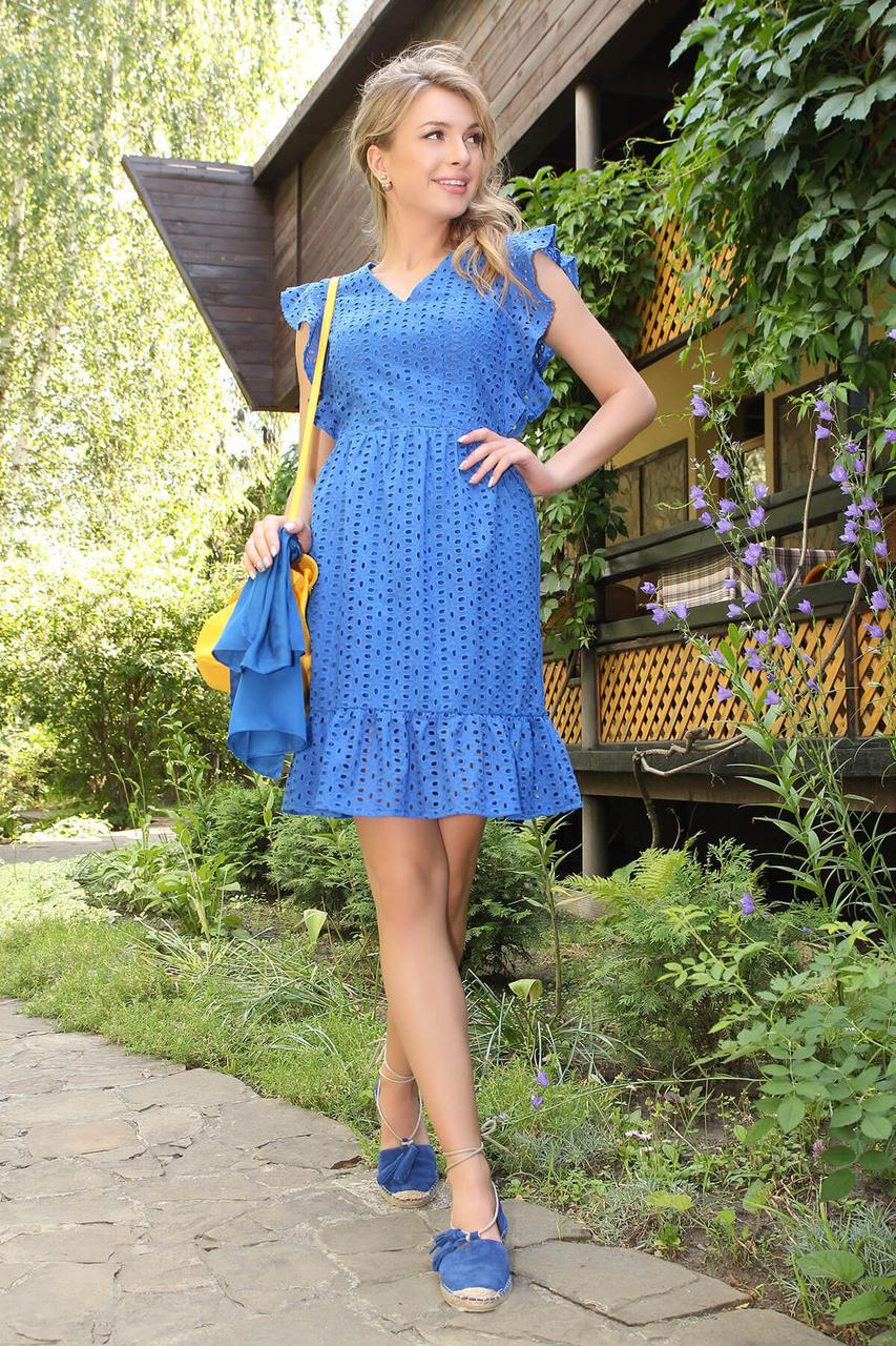 Летнее красивое платье из прошвы с рюшами синее