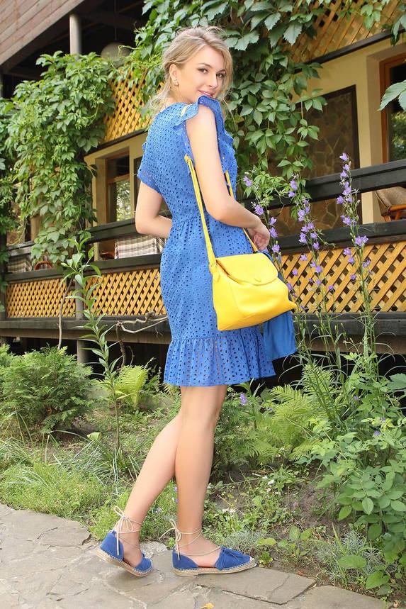 Летнее красивое платье из прошвы с рюшами синее, фото 2