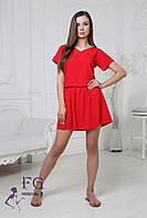 Женское платье красного цвета