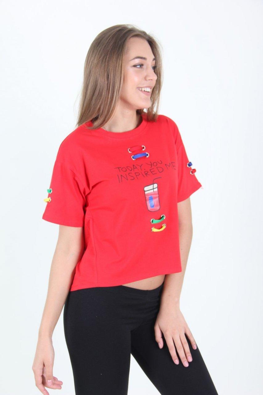 Короткая яркая футболка красного цвета размер М/Л