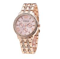 Часы Geneva женские наручные с большим циферблатом украшенным камнями