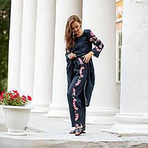 Женский костюм с вышивкой Дикая орхидея синий, фото 2