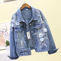 Жіноча джинсова куртка Simplee з блакитний квіткової аплікацією і перлами блакитна, фото 1