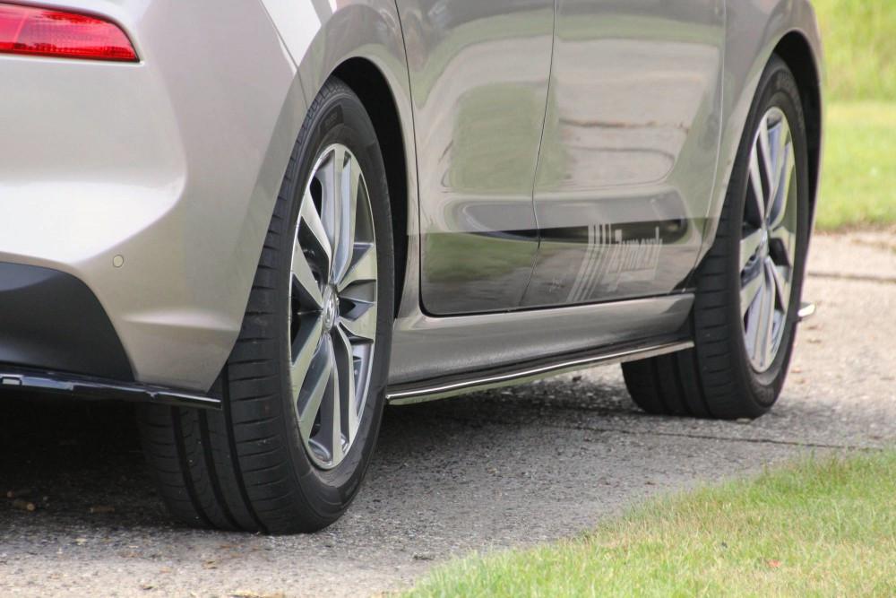 Диффузоры на пороги накладки тюнинг Hyundai I30 MK3 Hatchback