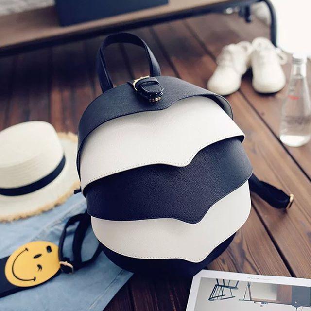 Сумка-рюкзак оригинальной формы Черно-белый