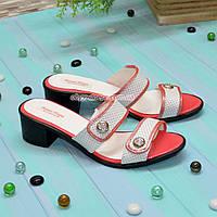 Шлепанцы кожаные на каблуке, коралловый цвет. 38 размер