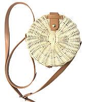 Круглая светлая плетеная сумка Бали из ротанга на ремешке и кнопке su24500