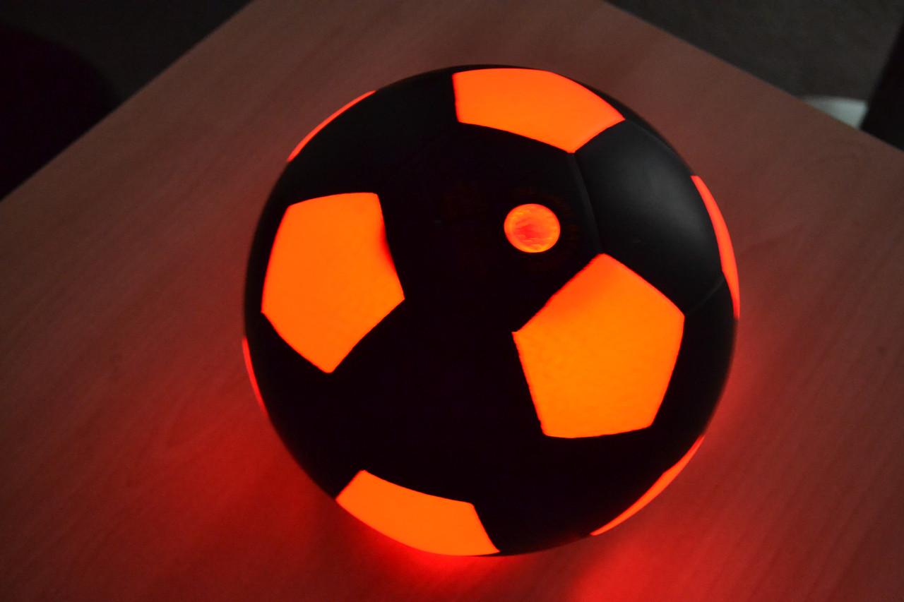 Футбольный мяч с Лед подсветкой Legend темный