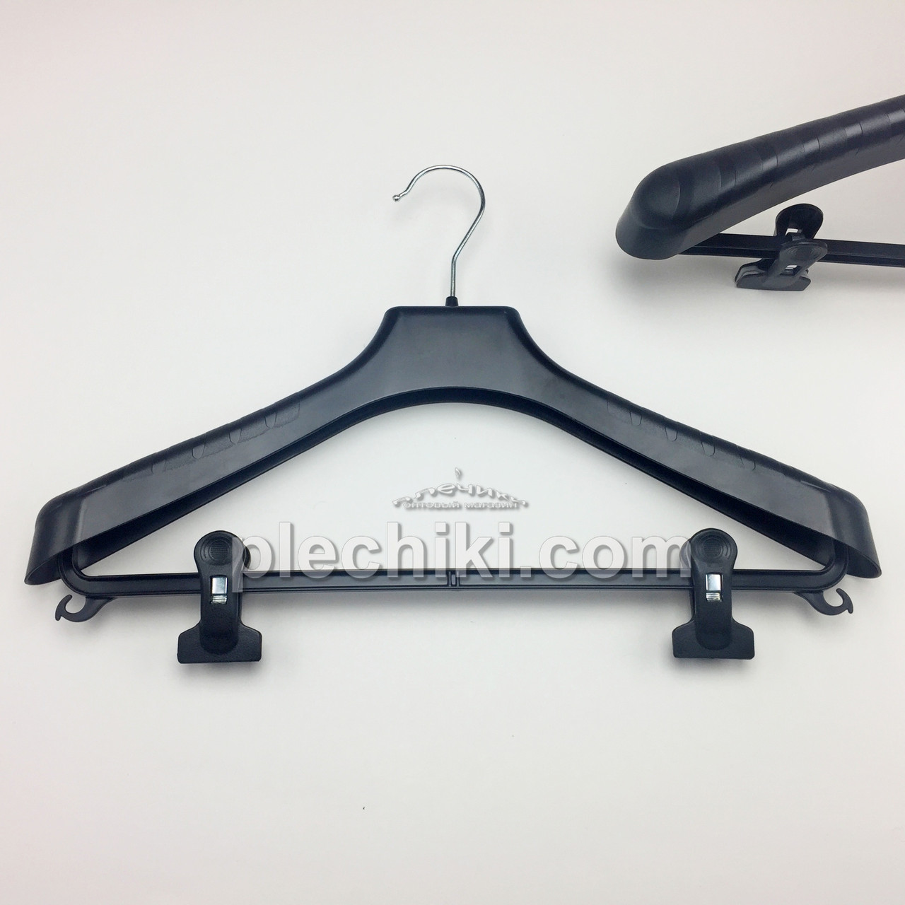 Пластиковые вешалки плечики для одежды W-PLz42 черного цвета, длина 420 мм