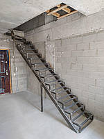 Лестница в квартиру. Каркас лестницы . Прямой марш с поворотом., фото 1