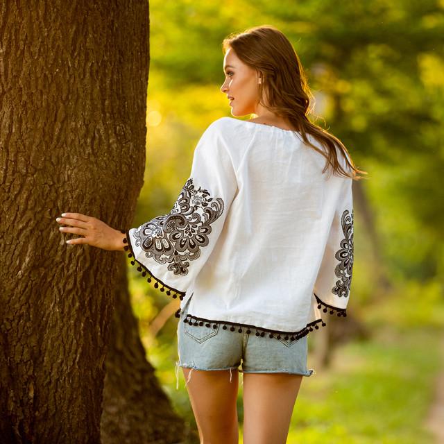 Женская блуза с вышивкой Этностиль белая