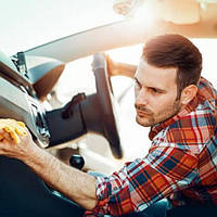 Догляд за салоном автомобіля