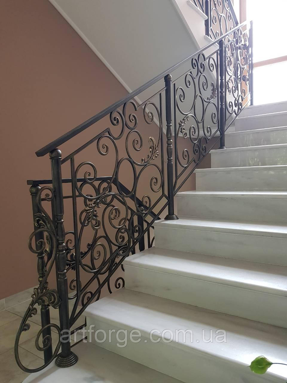 Ковані перила для сходів, балкона, в класичному стилі.